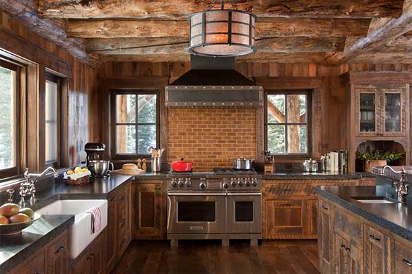os elementos principais da cozinha de fazenda vão ser tons marrons e madeira